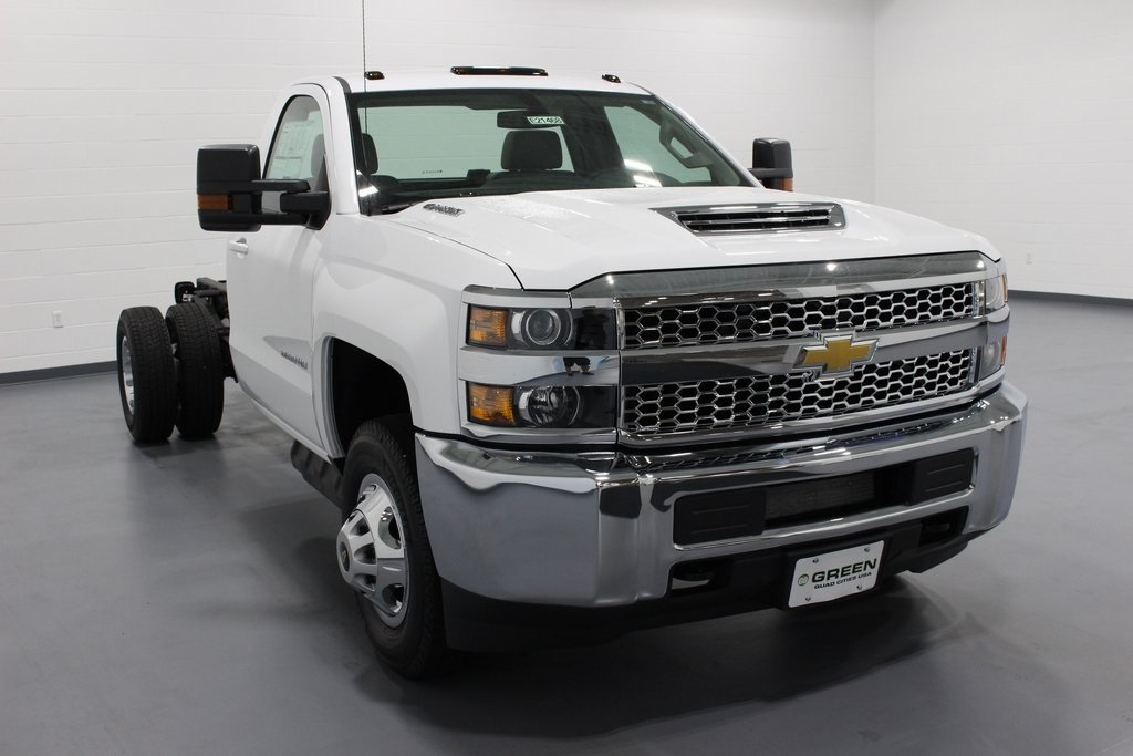 2019 Silverado 3500 Regular Cab DRW 4x4,  Cab Chassis #E21468 - photo 3