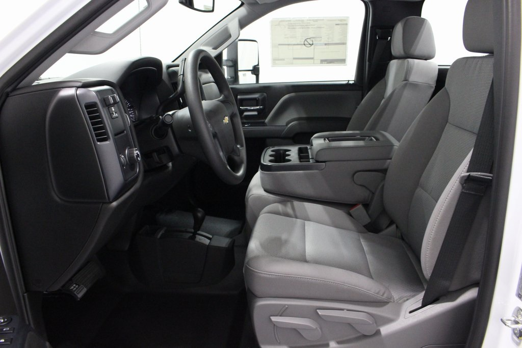 2019 Silverado 3500 Regular Cab DRW 4x4,  Cab Chassis #E21468 - photo 11