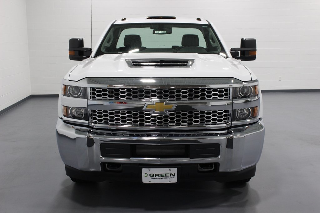 2019 Silverado 3500 Regular Cab DRW 4x4,  Cab Chassis #E21468 - photo 4