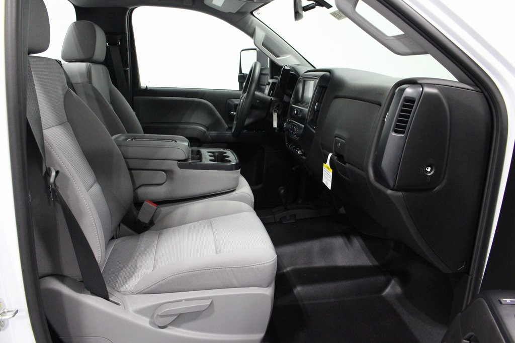 2019 Silverado 3500 Regular Cab DRW 4x4,  Cab Chassis #E21468 - photo 27