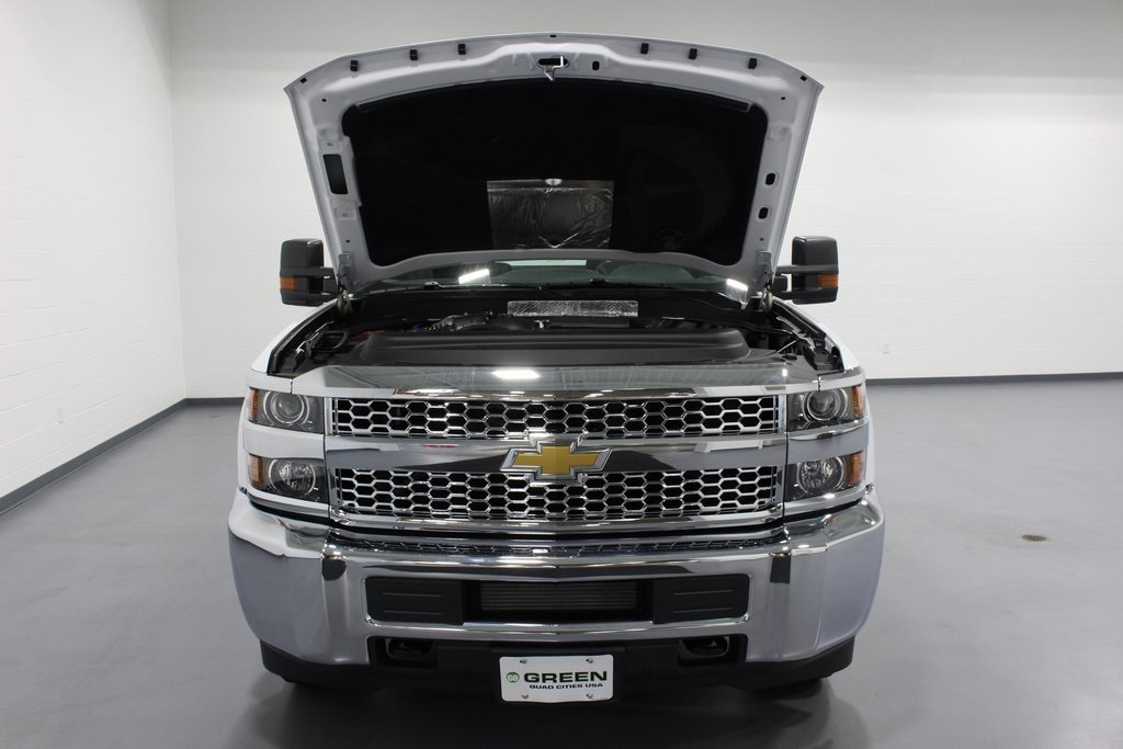 2019 Silverado 3500 Regular Cab DRW 4x4,  Cab Chassis #E21468 - photo 35