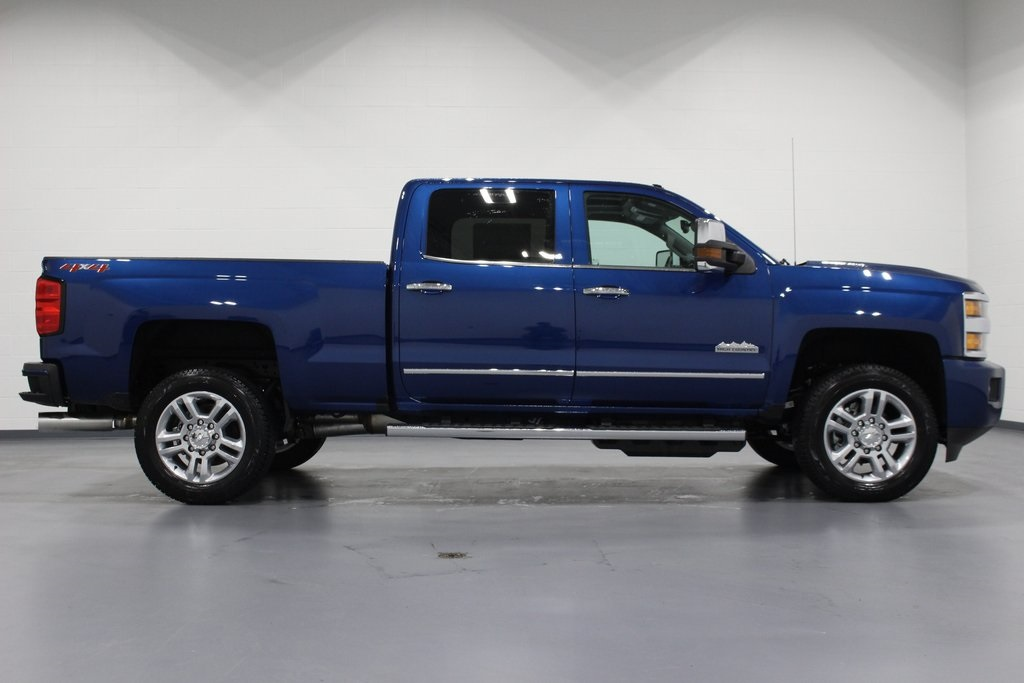 2019 Silverado 2500 Crew Cab 4x4,  Pickup #E21478 - photo 8