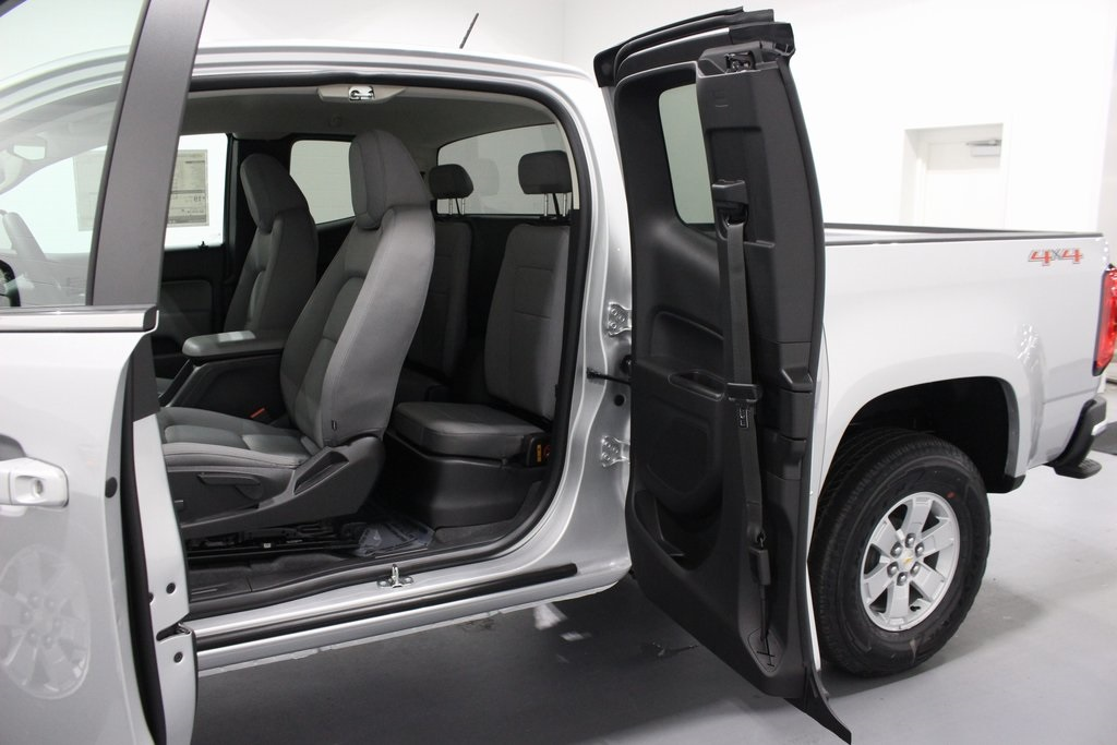 2019 Colorado Extended Cab 4x4,  Pickup #E21595 - photo 23