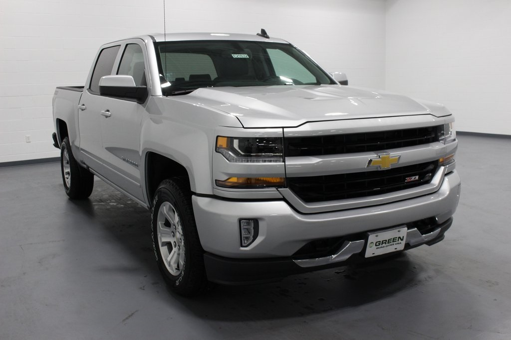2018 Silverado 1500 Crew Cab 4x4,  Pickup #E21632 - photo 3