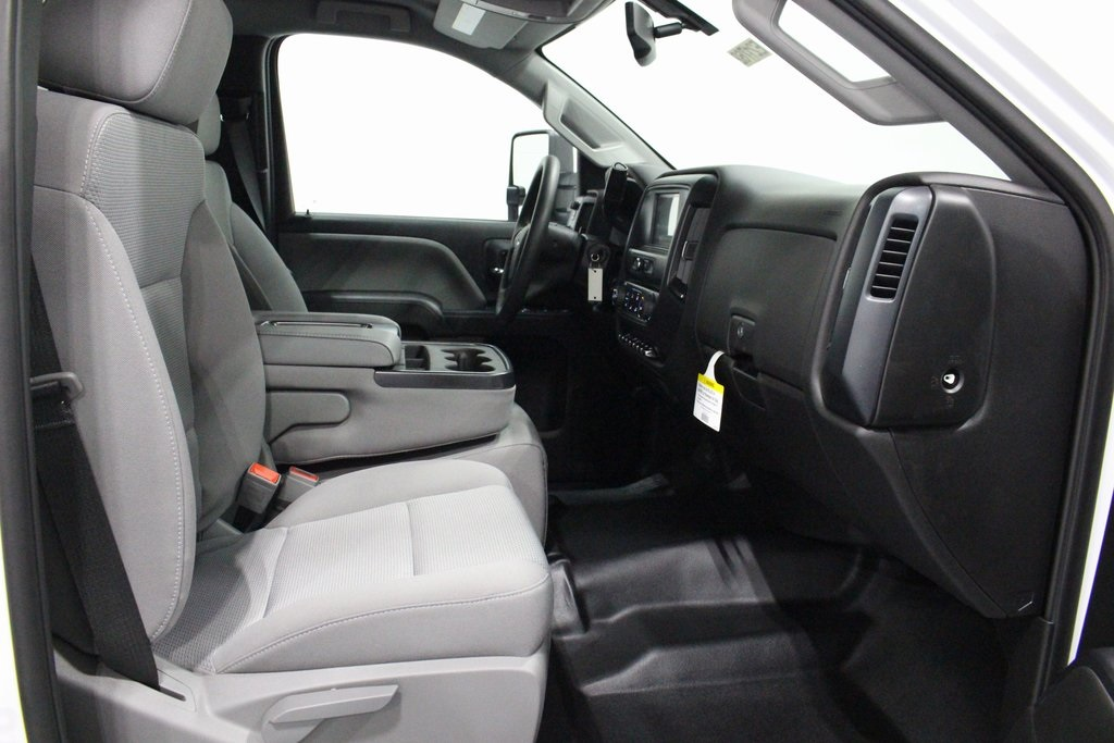2019 Silverado 3500 Regular Cab DRW 4x4,  Cab Chassis #E21762 - photo 18
