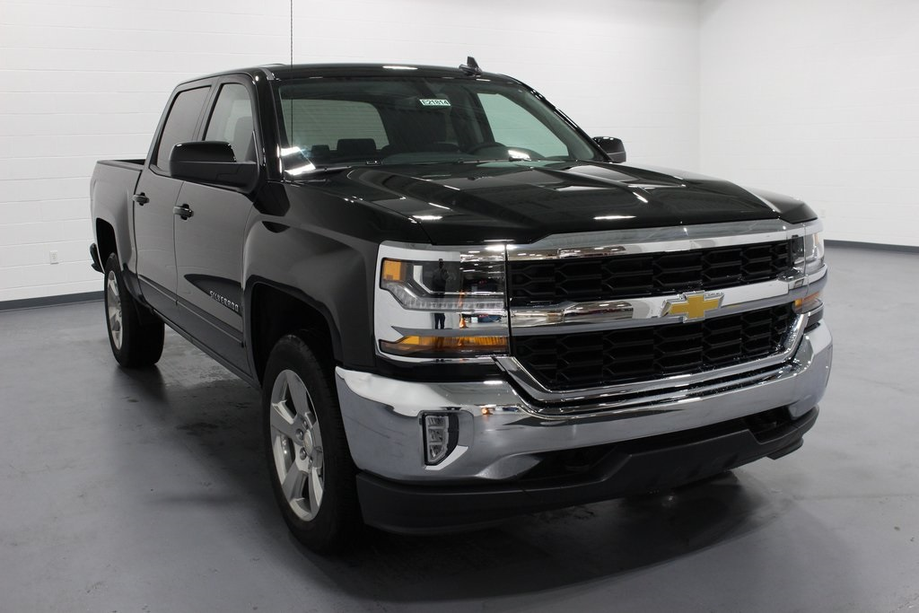 2018 Silverado 1500 Crew Cab 4x4,  Pickup #E21814 - photo 3