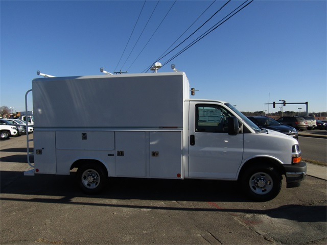 2017 Express 3500, Reading Service Utility Van #C1269 - photo 4