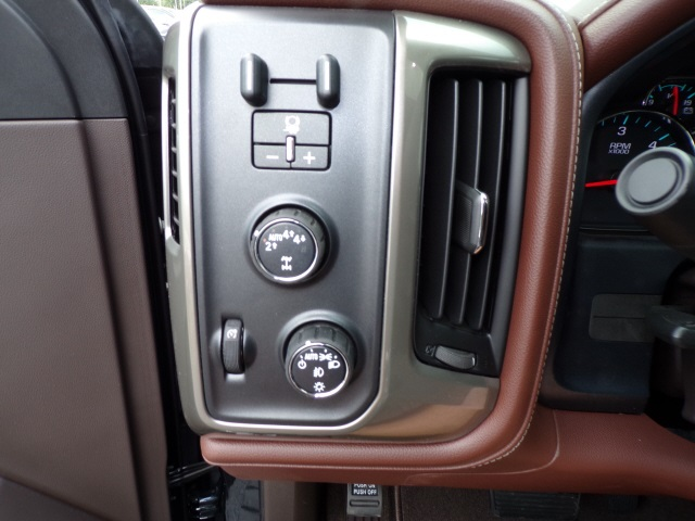 2018 Silverado 1500 Crew Cab 4x4,  Pickup #C1650 - photo 11