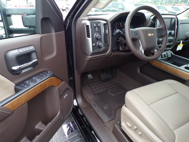 2019 Silverado 3500 Crew Cab 4x4,  Pickup #C1834 - photo 7