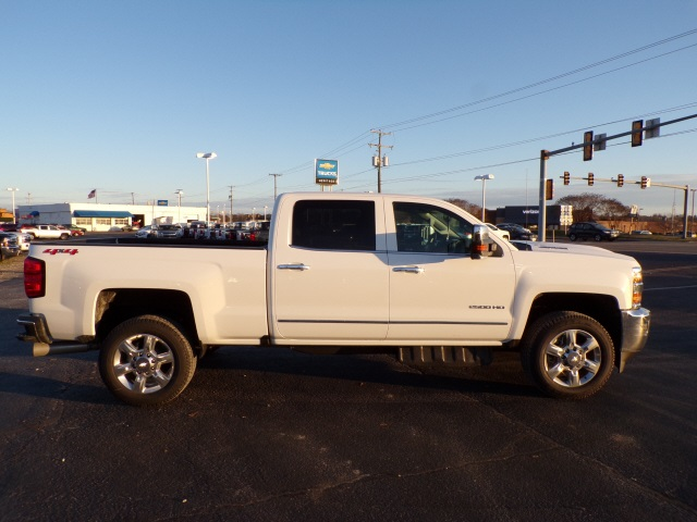 2019 Silverado 2500 Crew Cab 4x4,  Pickup #C2222 - photo 4
