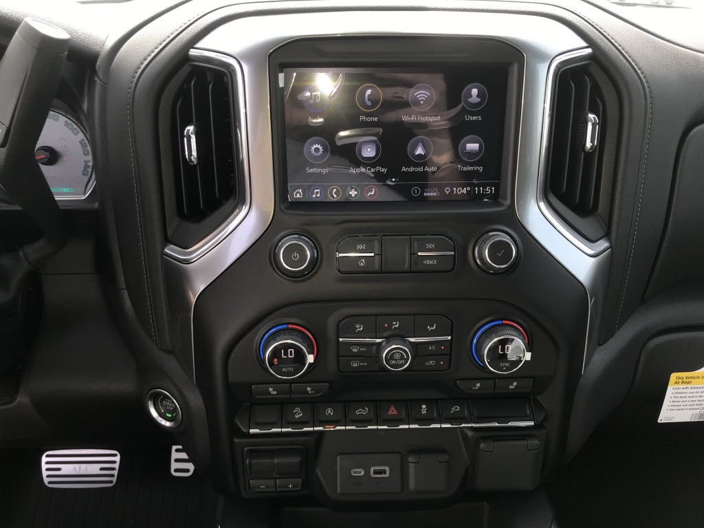 2020 Chevrolet Silverado 1500 Crew Cab 4x4, Pickup #C3206 - photo 20
