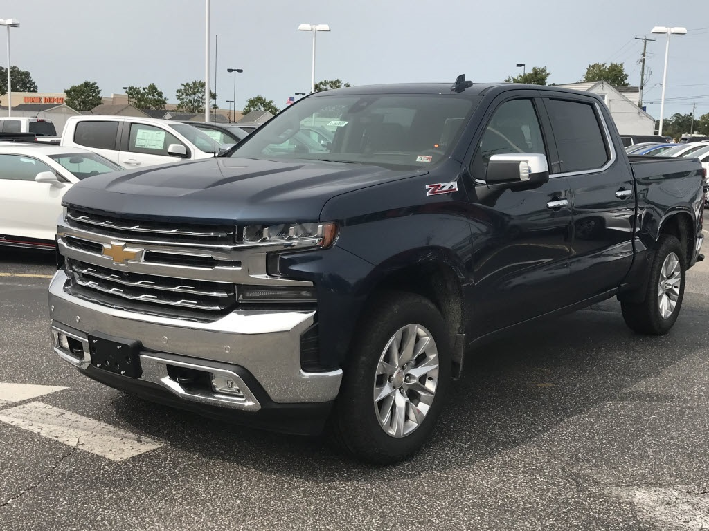 2020 Chevrolet Silverado 1500 Crew Cab 4x4, Pickup #C3269 - photo 5