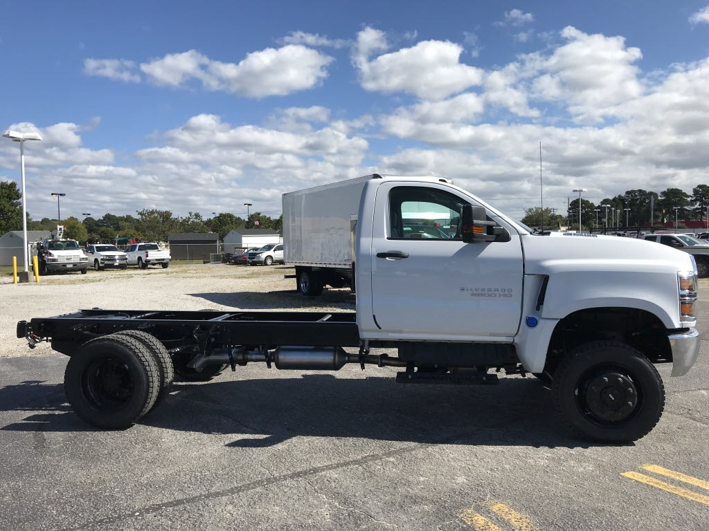 2020 Chevrolet Silverado 5500 Regular Cab DRW 4x4, Cab Chassis #C3278 - photo 12