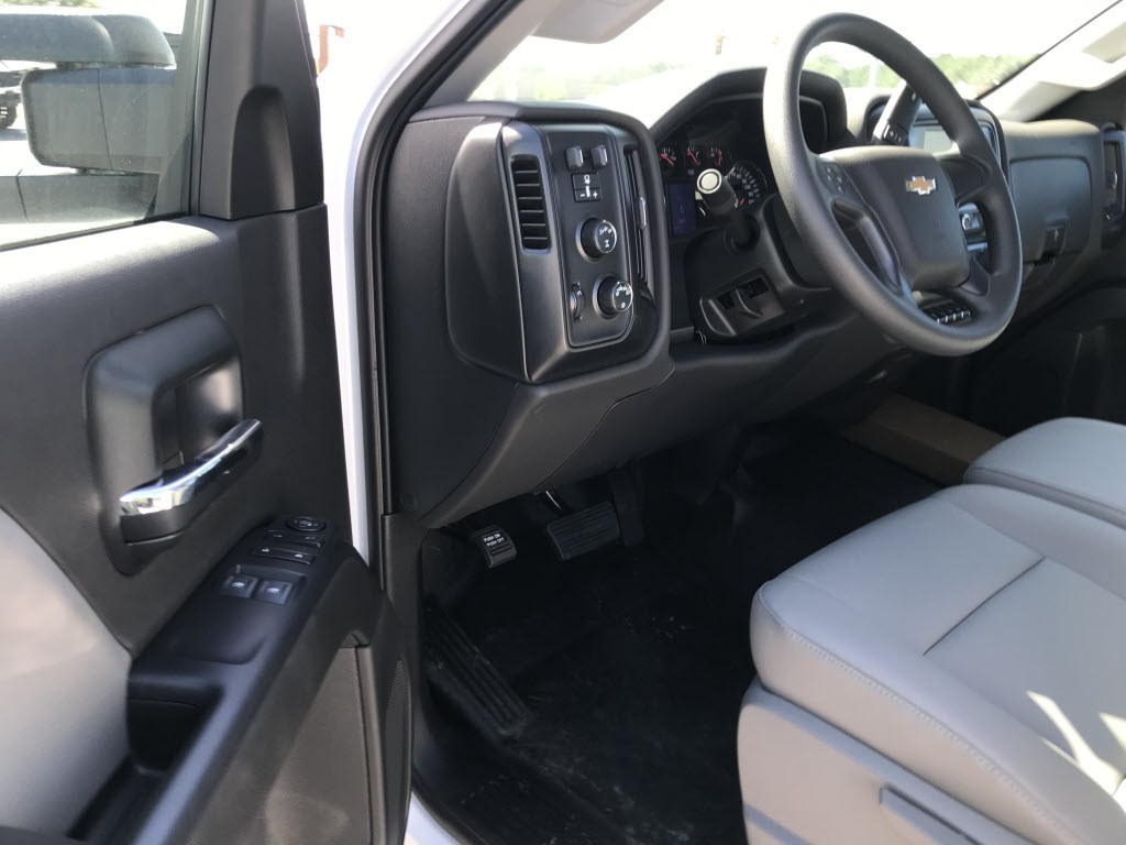 2020 Chevrolet Silverado 5500 Regular Cab DRW 4x4, Cab Chassis #C3278 - photo 17