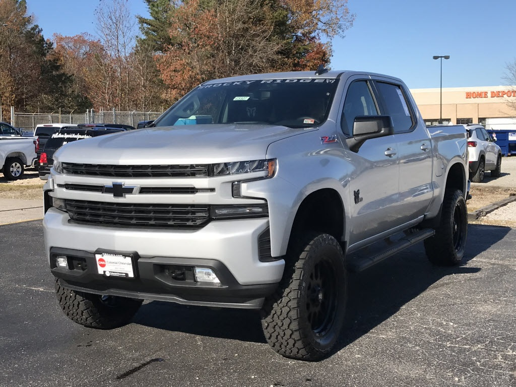2020 Chevrolet Silverado 1500 Crew Cab 4x4, Pickup #C3327 - photo 5
