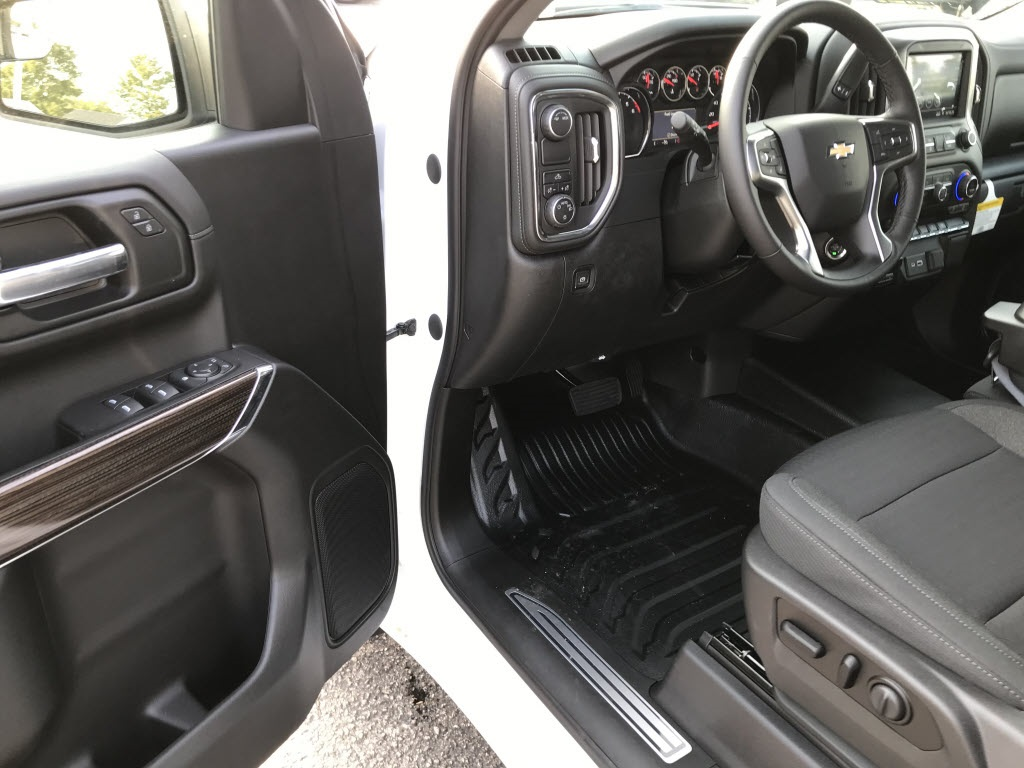 2020 Chevrolet Silverado 1500 Double Cab 4x2, Pickup #C3331 - photo 17