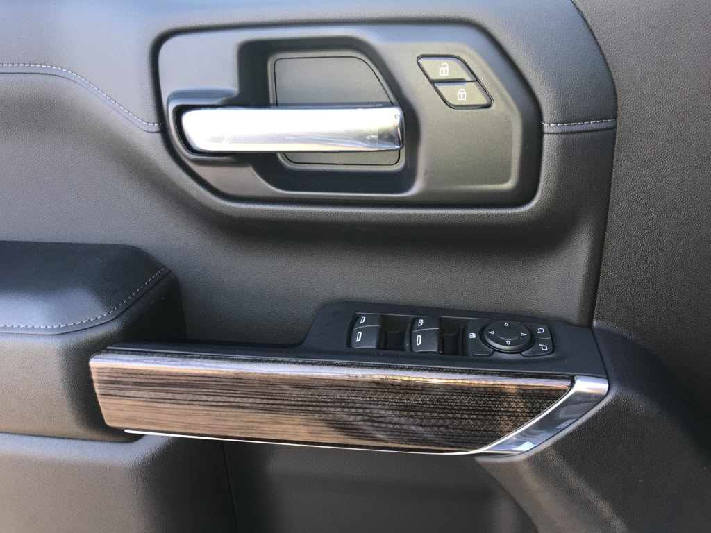 2020 Chevrolet Silverado 1500 Crew Cab 4x4, Pickup #C3333 - photo 14