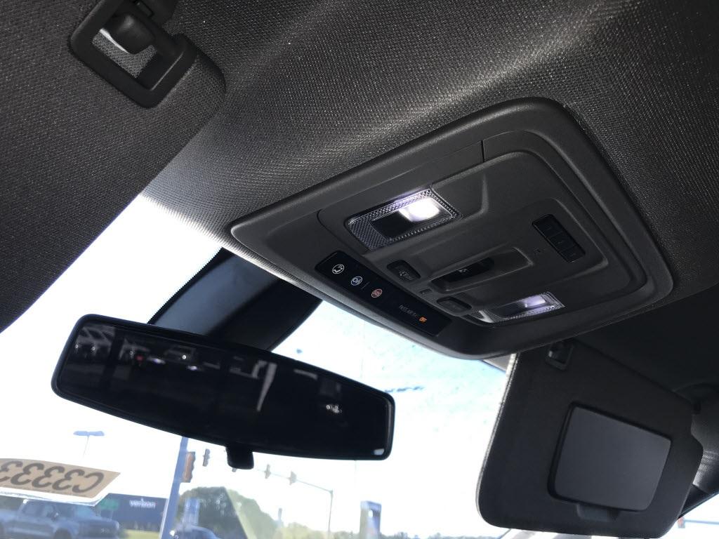 2020 Chevrolet Silverado 1500 Crew Cab 4x4, Pickup #C3333 - photo 22