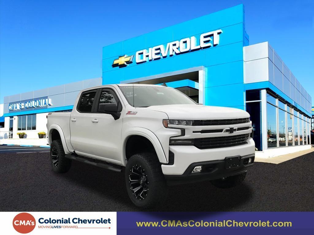 2020 Chevrolet Silverado 1500 Crew Cab 4x4, Pickup #C3352 - photo 1