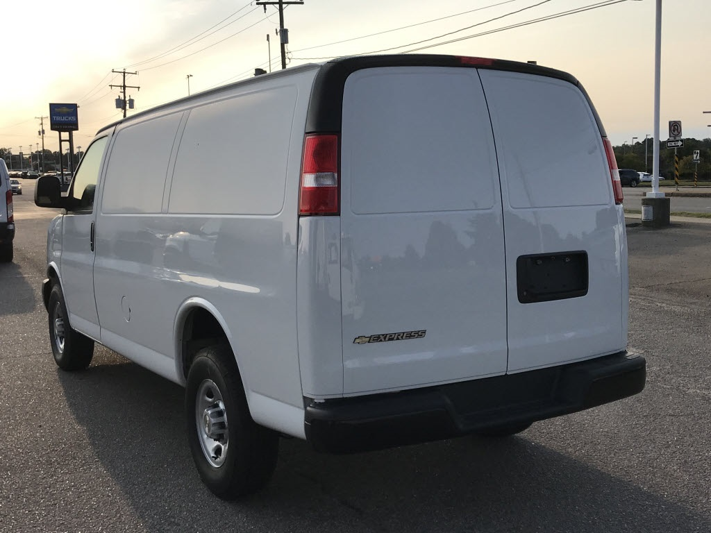 2020 Chevrolet Express 2500 4x2, Empty Cargo Van #C3374 - photo 8