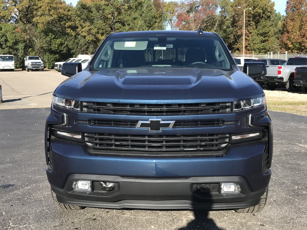 2020 Chevrolet Silverado 1500 Crew Cab 4x4, Pickup #C3397 - photo 3