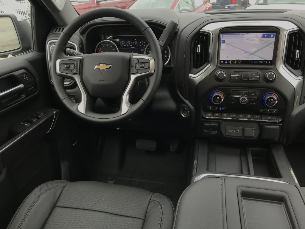 2020 Chevrolet Silverado 1500 Crew Cab 4x4, Pickup #C3401 - photo 13