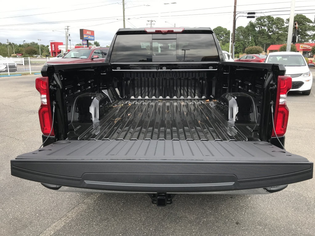 2020 Chevrolet Silverado 1500 Crew Cab 4x4, Pickup #C3401 - photo 15