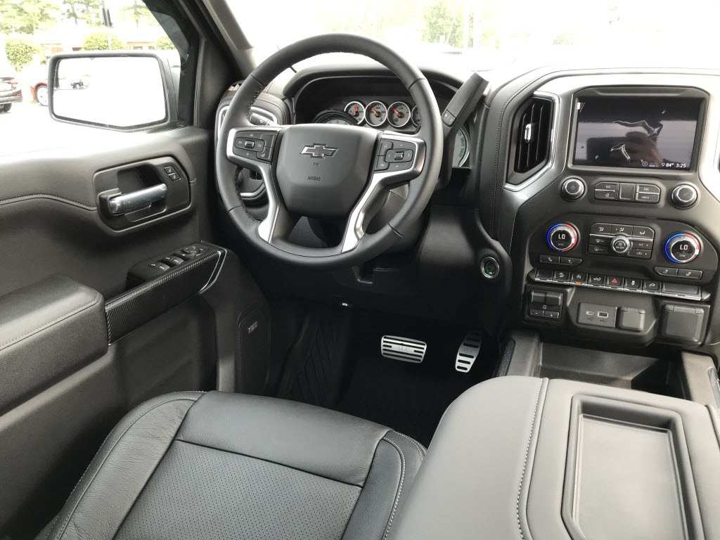2020 Chevrolet Silverado 1500 Crew Cab 4x4, Pickup #C3417 - photo 13