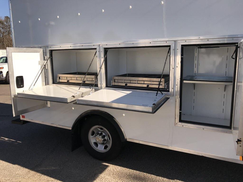 2020 Chevrolet Express 3500 4x2, Cutaway #C3772 - photo 15
