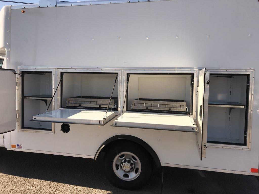 2020 Chevrolet Express 3500 4x2, Cutaway #C3772 - photo 18
