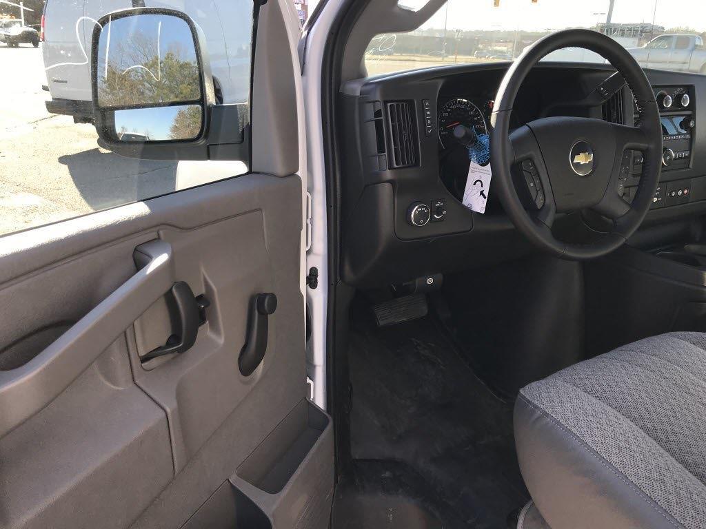 2020 Chevrolet Express 3500 4x2, Cutaway #C3772 - photo 19