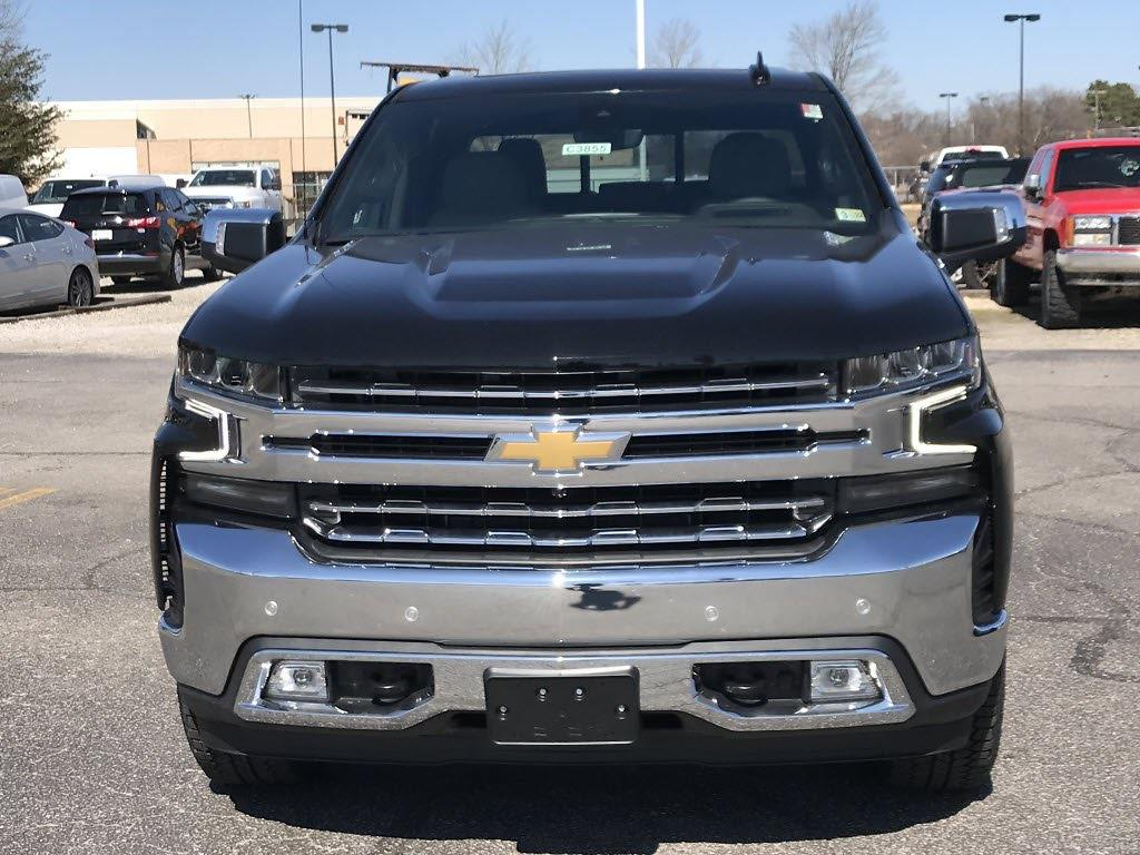 2021 Chevrolet Silverado 1500 Crew Cab 4x4, Pickup #C3855 - photo 3