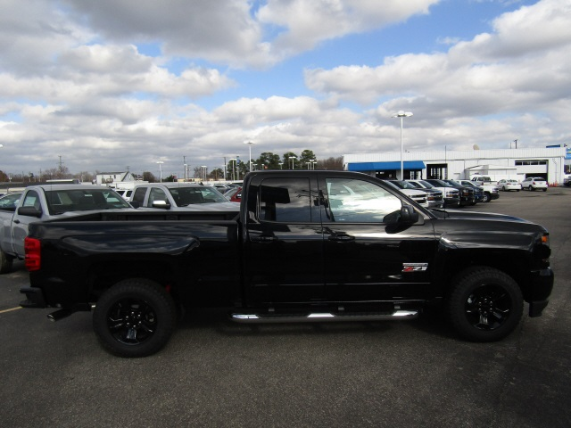 2018 Silverado 1500 Double Cab 4x4,  Pickup #C885 - photo 4