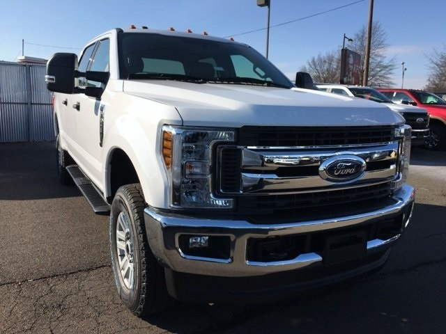 2018 F-250 Crew Cab 4x4, Pickup #A10336 - photo 4