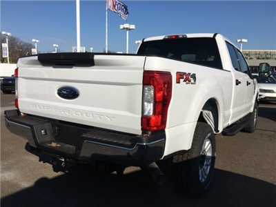 2018 F-250 Crew Cab 4x4, Pickup #A10336 - photo 5