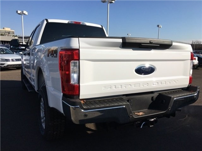 2018 F-250 Crew Cab 4x4, Pickup #A10336 - photo 2