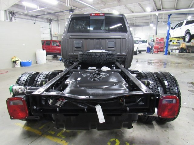 2018 Ram 5500 Crew Cab DRW 4x4, Cab Chassis #N18127 - photo 8