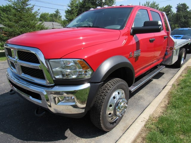 2018 Ram 5500 Crew Cab DRW 4x4,  Cab Chassis #N18375 - photo 4