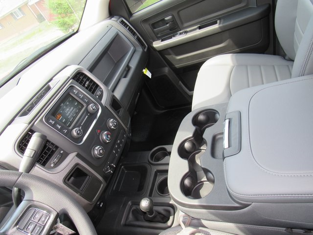 2018 Ram 5500 Crew Cab DRW 4x4,  Hillsboro Platform Body #N18375 - photo 30