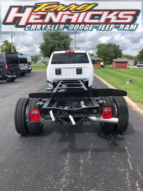 2018 Ram 5500 Regular Cab DRW 4x4,  Cab Chassis #N18466 - photo 2