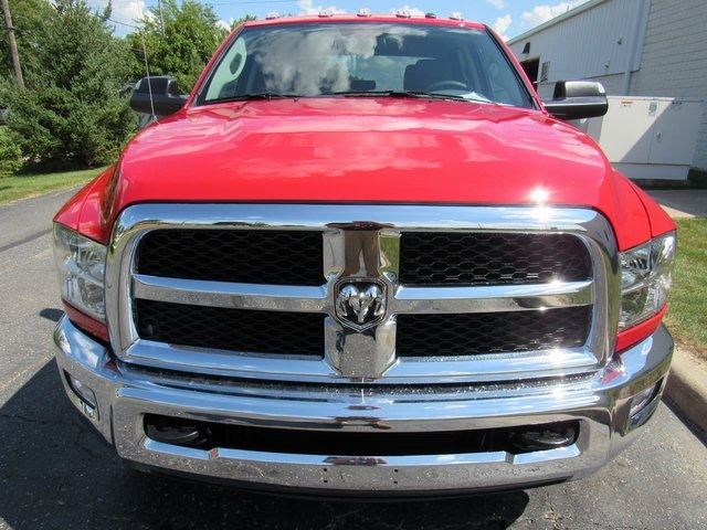 2018 Ram 3500 Crew Cab DRW 4x4,  Cab Chassis #N18477 - photo 3