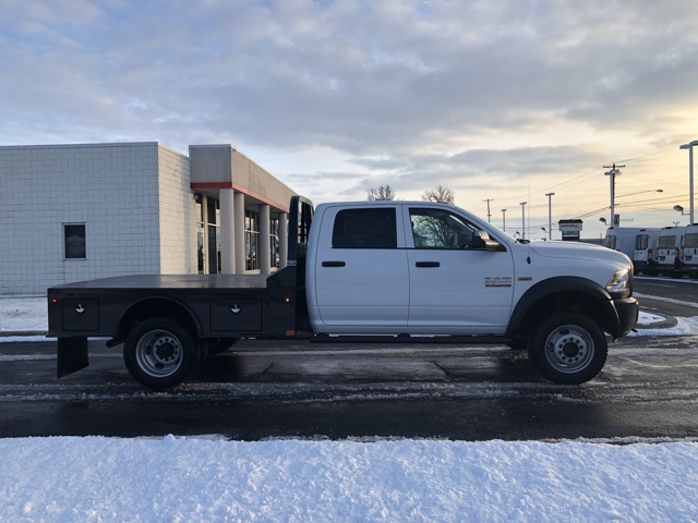 2018 Ram 5500 Crew Cab DRW 4x4,  Platform Body #N18523 - photo 3