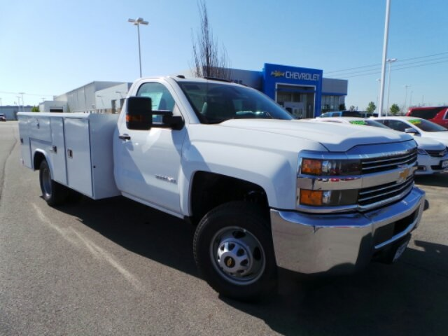 2018 Silverado 3500 Regular Cab DRW 4x2,  Reading Service Body #183073 - photo 32