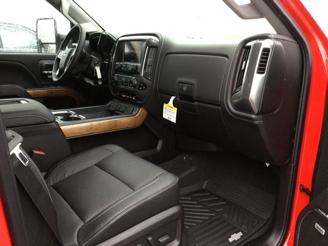 2019 Silverado 2500 Crew Cab 4x4,  Pickup #190215 - photo 31