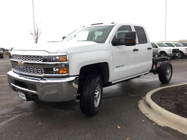 2019 Silverado 2500 Double Cab 4x4,  Cab Chassis #193023 - photo 33