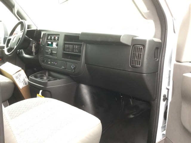 2019 Express 3500 4x2,  Supreme Iner-City Cutaway Van #C193033 - photo 26