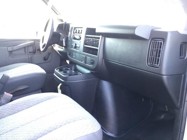 2019 Express 3500 4x2,  Bay Bridge Classic Cutaway Van #C193061 - photo 24