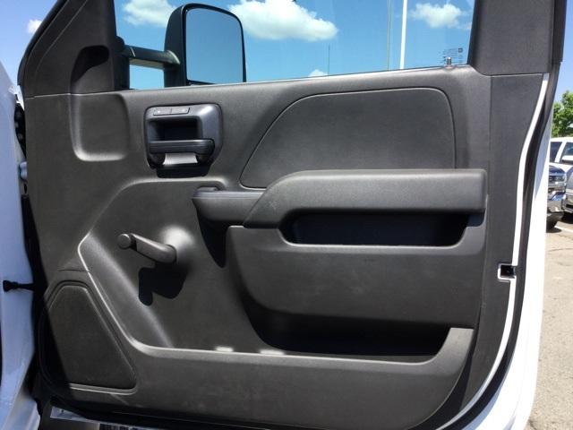 2019 Silverado Medium Duty Regular Cab 4x4,  Cab Chassis #C193083 - photo 30