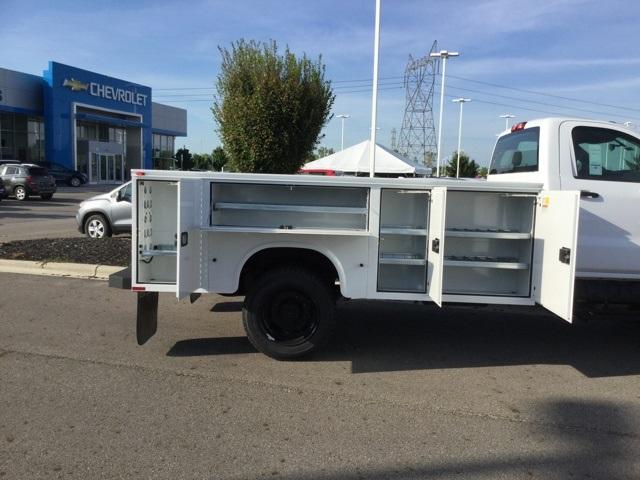 2019 Silverado Medium Duty Regular Cab 4x4,  Knapheide Standard Service Body #C193083 - photo 31