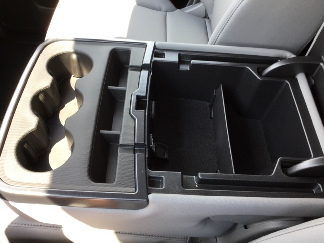 2019 Silverado 2500 Double Cab 4x2,  Cab Chassis #C193091 - photo 19